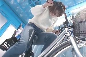 mm号でアクメ自転車試乗した巨乳若妻が潮吹きw